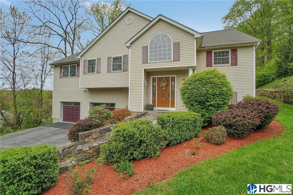 44 Baldwin Lane, Mahopac, NY 10541 now has a new price of $459,000!