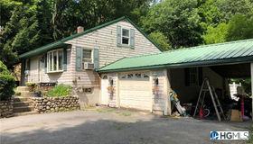 643 Bloomingburg Road, Bloomingburg, NY 12721