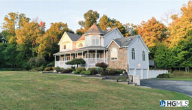 2 Green Valley Court, New Windsor, NY 12553