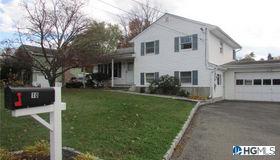 10 Knox Drive, New Windsor, NY 12553