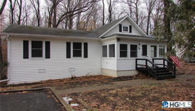 93 West Drive, Walden, NY 12586