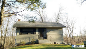36 Horton Road Extension, Bloomingburg, NY 12721