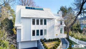 2 Colonial Lane, Larchmont, NY 10538