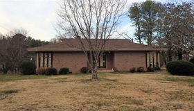 2007 11th St Court nw, Hickory, NC 28601