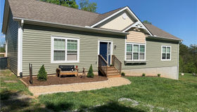 860 Windswept Ridge Road, Marshall, NC 28753