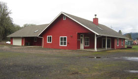 26786 Fudge Rd, Alsea, OR 97324
