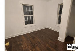 Real estate listing preview #153