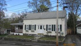 39 Cross St, Quincy, MA 02169