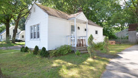 29 Wallingford Rd, Worcester, MA 01607