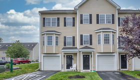 1 Snowbell Ln 1, Worcester, MA 01606