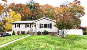 32 Crestwood Rd, Leicester, MA 01524