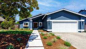 1673 Del Oro Circle, Petaluma, CA 94954