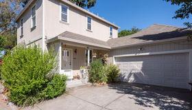 33 Peach Court, Santa Rosa, CA 95407