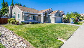 654 Laurelwood Circle, Vacaville, CA 95687