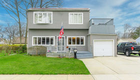 177 Deauville Boulevard, Copiague, NY 11726