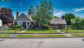 13 Locust Avenue, Worcester, MA 01604