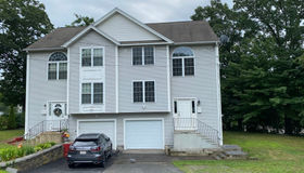 6 Hyannis Place, Worcester, MA 01604