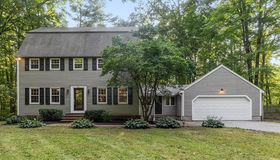 94 South Rd, Pepperell, MA 01463