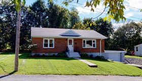 13 Marshall Terrace, Dudley, MA 01571