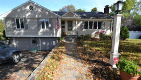 15 Indian Hill Rd, Wakefield, MA 01880