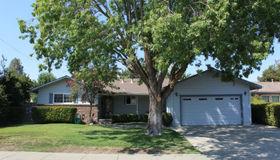 710 W D Street N, Dixon, CA 95620