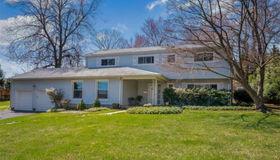 5 Fernwood Road, White Plains, NY 10605